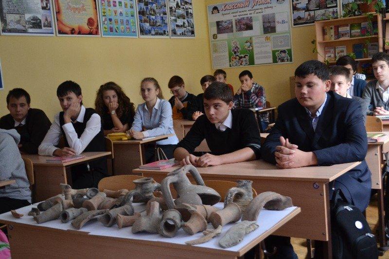 """Лекции для школьников от археологического отряда """"Наследие"""""""